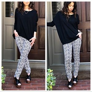 Denim - White and black leopard jeans